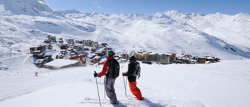 france_three-valleys-ski-area_skiers_view.jpg